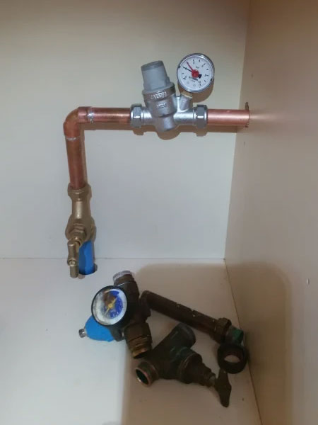 Replacement mains stopcock & pressure reducing valve